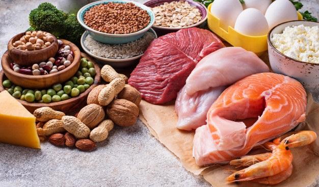 surse de proteine carne oua legume nuci