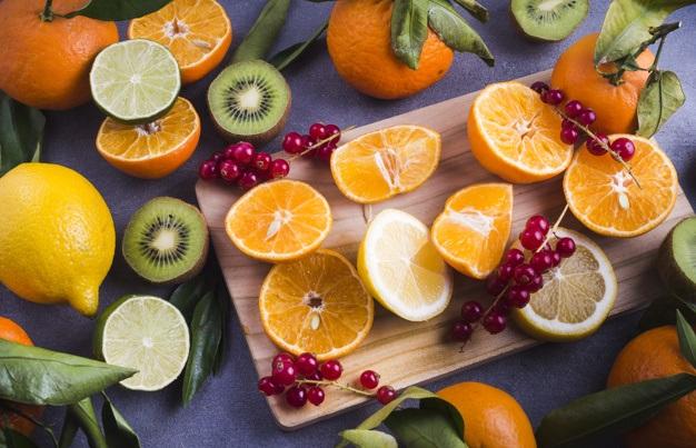 citrice portocale, grapefruit, kiwi, lamai, cu continut ridicat de vitamina c