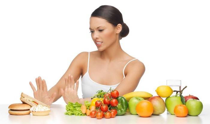 femeie refuza fast food in favoarea legumelor proaspete